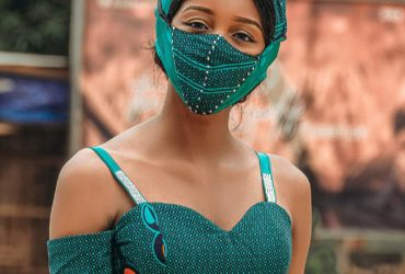Asoebi with face mask