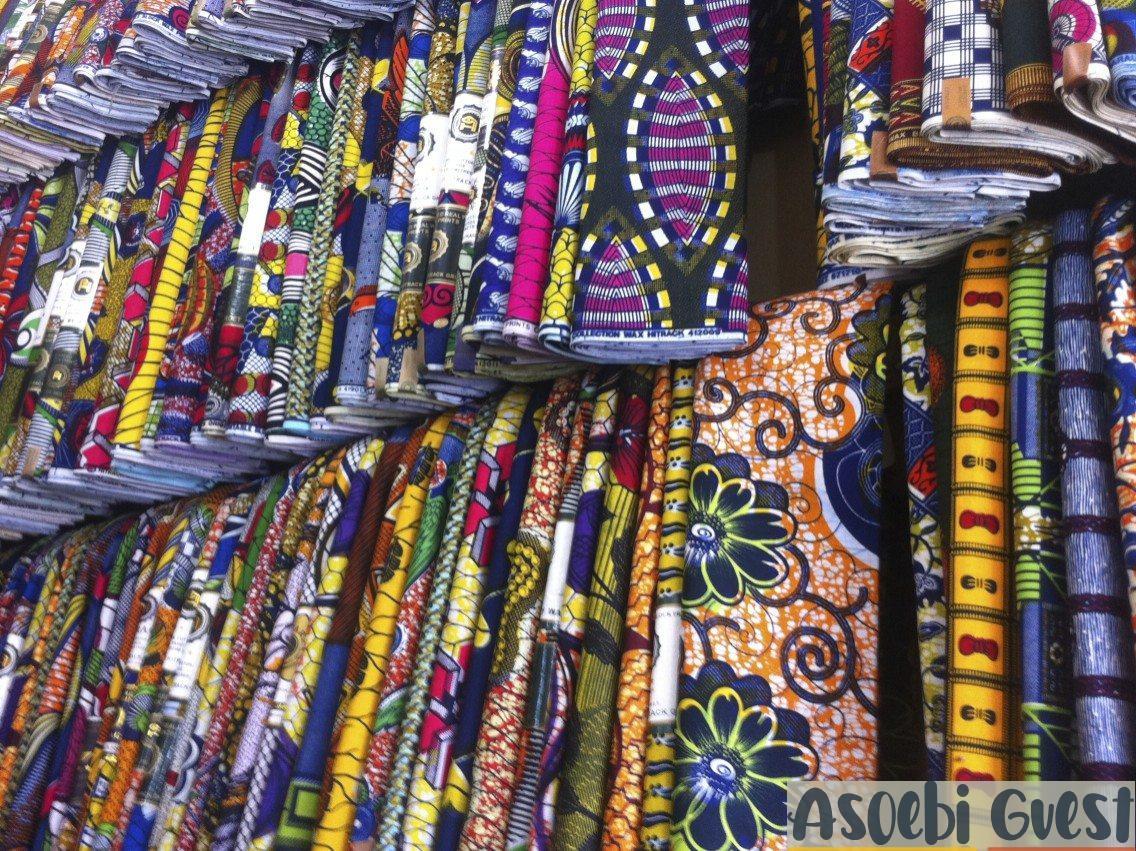 Asoebi guest - Market sale